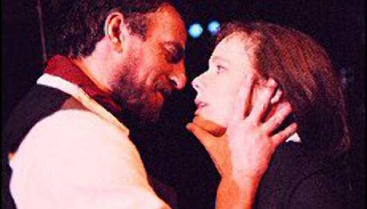 Paul Ottar Haga og Elisabeth Matheson i Duuns klassiker <i>Juvikfolke</I> på Det Norske Theatret.