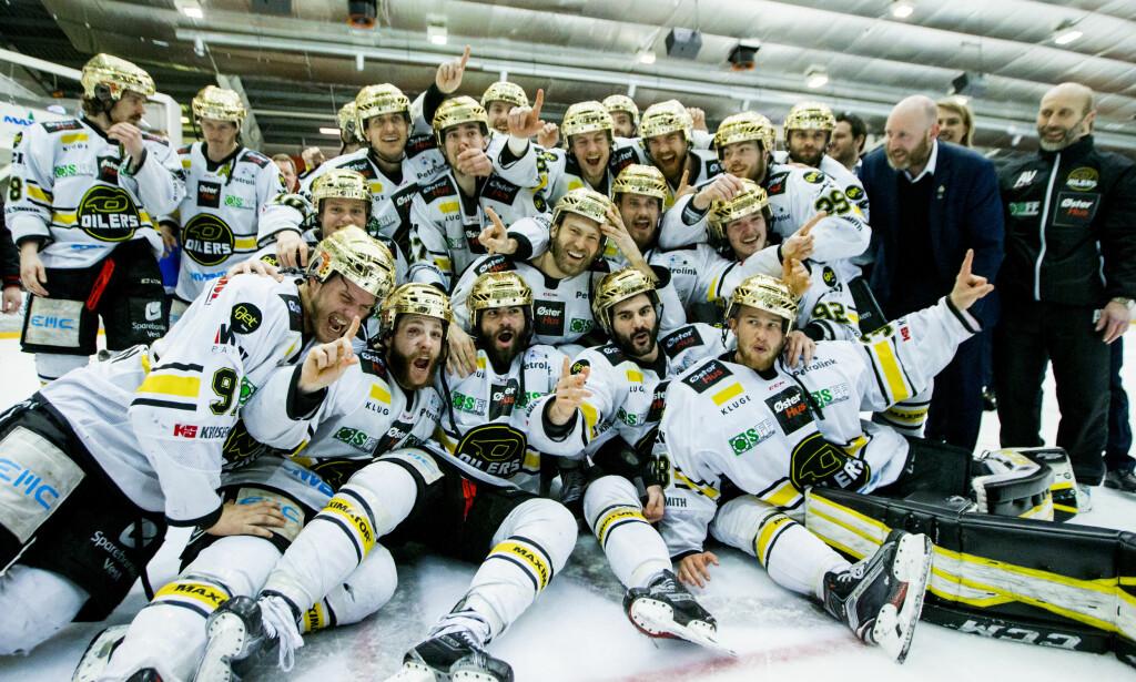 GULL-LAG: Stavanger Oilers har vært suverene de seneste årene. Her etter å ha sikret NM-gullet mot Lørenskog - i Lørenskog ishall - tidligere i år. Foto: Vegard Wivestad Grøtt / NTB scanpix