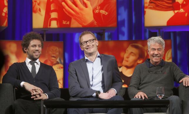 FOTBALLEKSPERT: Ole Martin Årst sammen med Freddy dos Santos (t.v.) og Egil Drillo Olsen. Foto: Terje Pedersen / NTB Scanpix