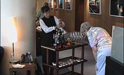 Fine årganger og sprudlende champagne i loungen - uten at du betaler ekstra. Foto: Pål Sigurd Anthonsen