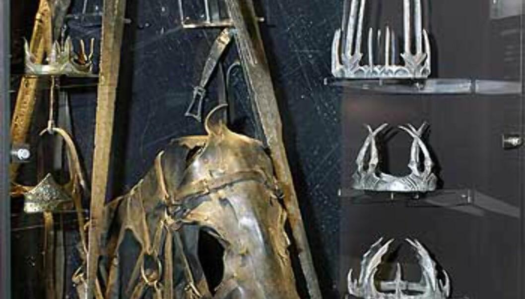 Våpen, rustninger og regalier. © 2003 NLC Foto: © 2003 NLC