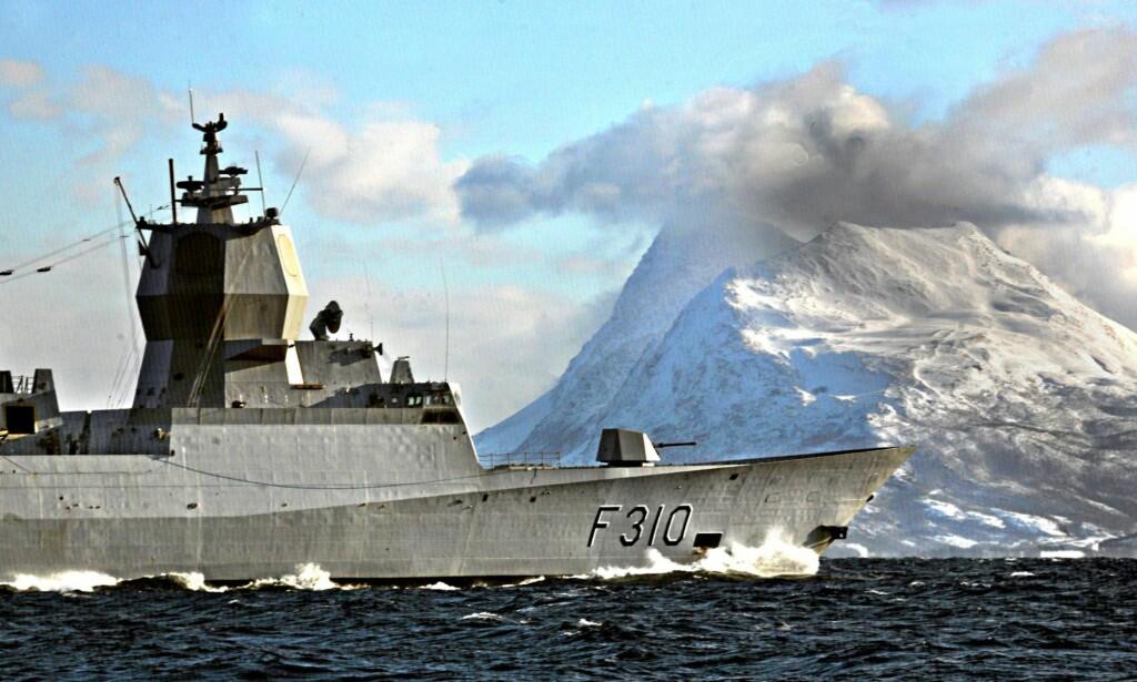 ØVELSE: Den nyinnkjøpte fregatten «Fridtjof Nansen» på marineøvelse ved Senja for noen år siden. Foto: Foto: Ole Magnus Rapp / NTB Scanpix