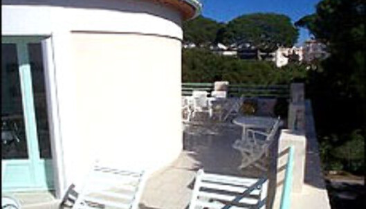 Middelhavsfryd, jazz og balkong til 18 millioner.<br /> <br /> <I>Foto: FINN.no</I> Foto: Foto: FINN.no