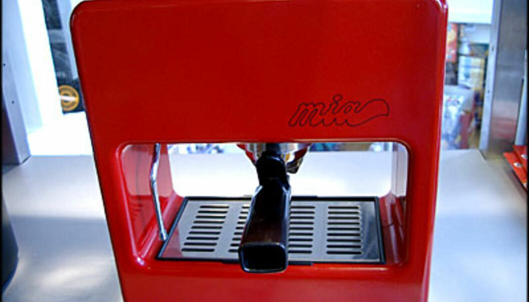 <center>Uvanlig maskin i rødt. (Alle bilder: Dag Yngve Dahle).