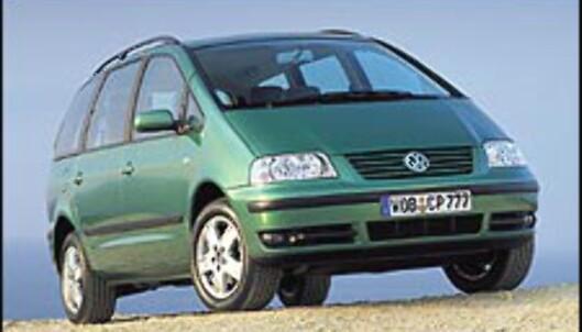 <strong>MEST SOLGT:</strong> Volkswagen Sharan var Norges overlegent mest populære flerbruksbil i 2002 og 2001.