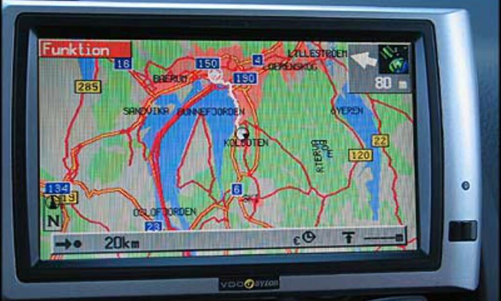 Eks. på kartnavigering. Du kan få langt mer detaljerte kart ved å bruke fjernkontrollen.