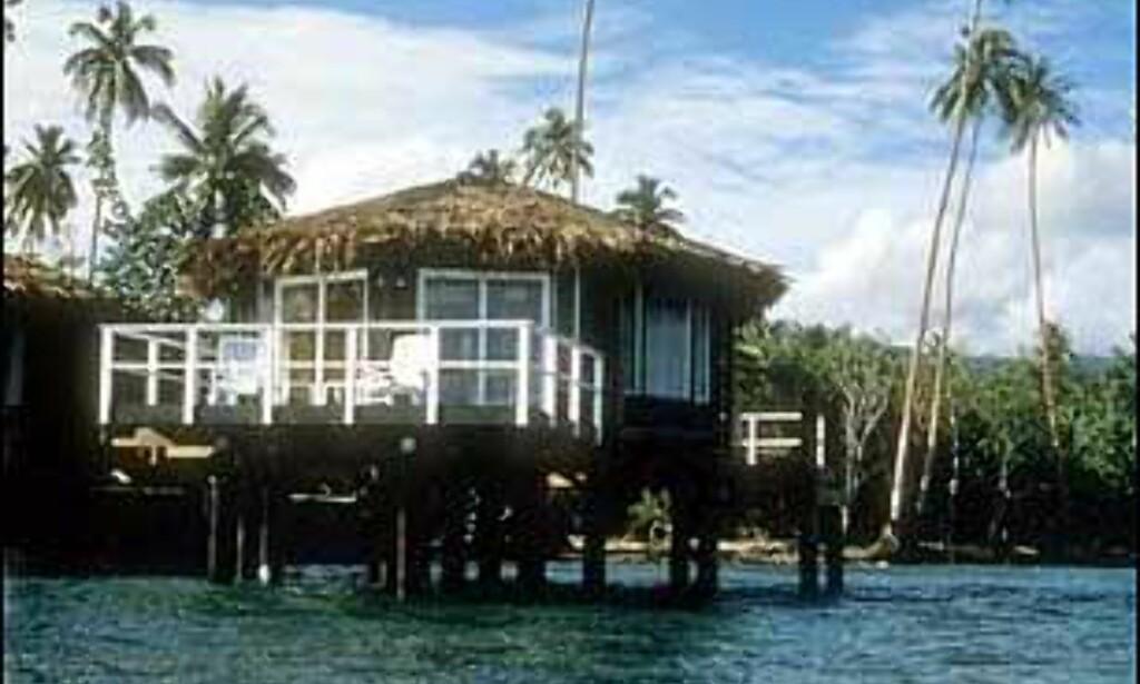 Coconuts Beach Club på Samoa har hytter eller fales ute i vannet som eneste sted på Samoa. Foto: Coconuts Beach Club Foto: Coconuts Samoa