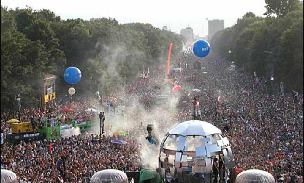 Maaaaange mennesker. Foto: Loveparade.net