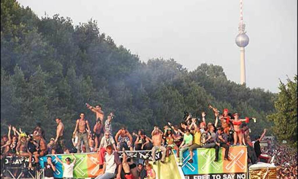 50 flåter skal fylle gatene. Foto: Loveparade.net