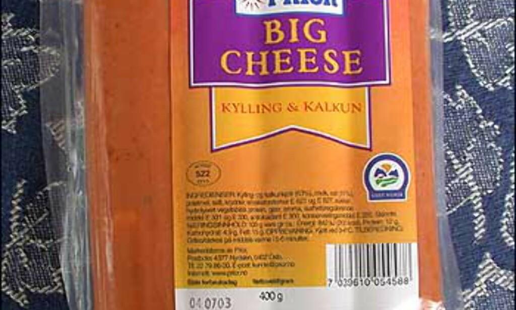 Priors Big Cheese ser fristende ut før grilling, men osten smaker surt og tyter ulekkert ut av pølsene når de er varme.