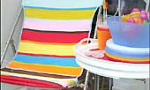 Campingstol i gla'farger.
