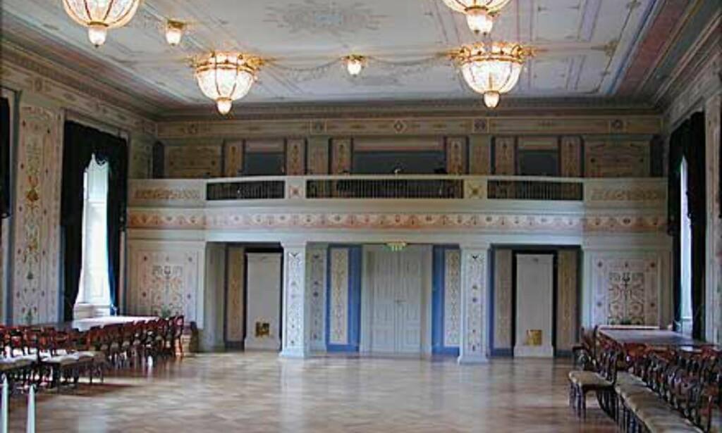 """DEN STORE SPISESAL: Dette vakre rommet dominerer høyre """"arm"""" i Slottets andre etasje."""