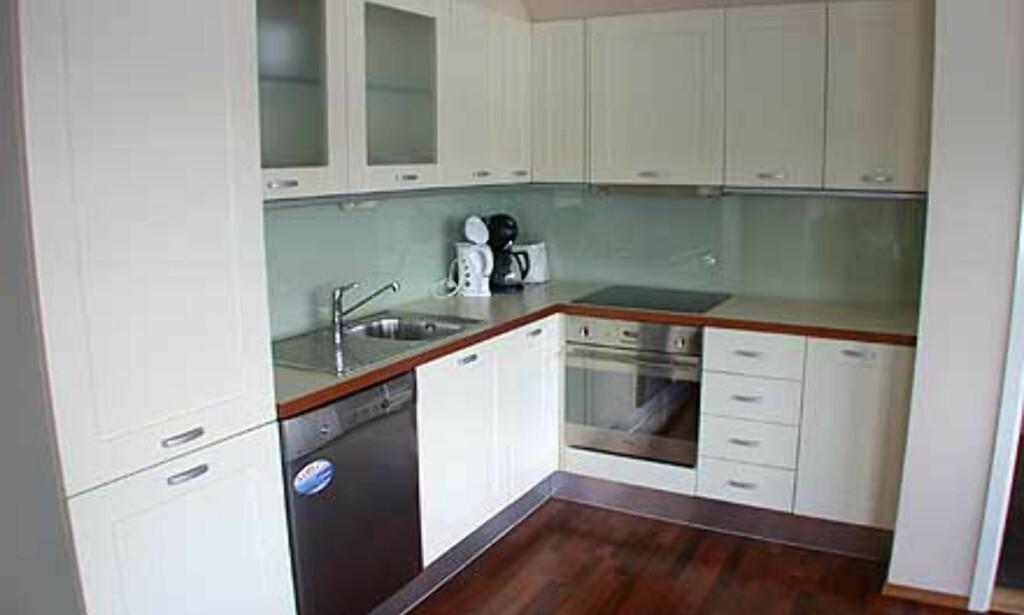 Alle suiter, sjøboder og villaer har egne kjøkkenkroker.