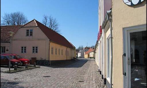 Brostensbelagte gater er vanlige i Sæby.