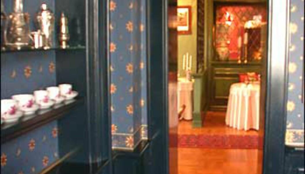 Det blå, gule, grønne og røde rommet ligger alle i hovedetasjen.