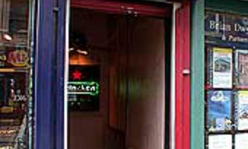 Dawson's Lounge har ikke plass til mange.