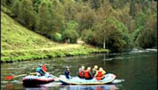 Stille raftingopplevelse.<br /> <I>Foto: Jølster Rafting AS</I>
