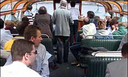 Kanalbyen bør du prøve å få sett fra sjøsiden. For eksempel i en av kanalbåtene med guider og panoramavinduer.