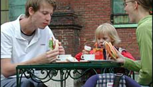 I Skandinavia er det vanligst å runde av oppover når du får regningen.