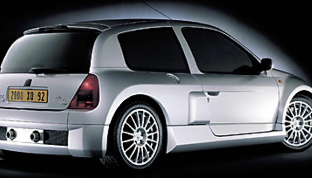 Stort bilde Clio Sport V6 bakfra