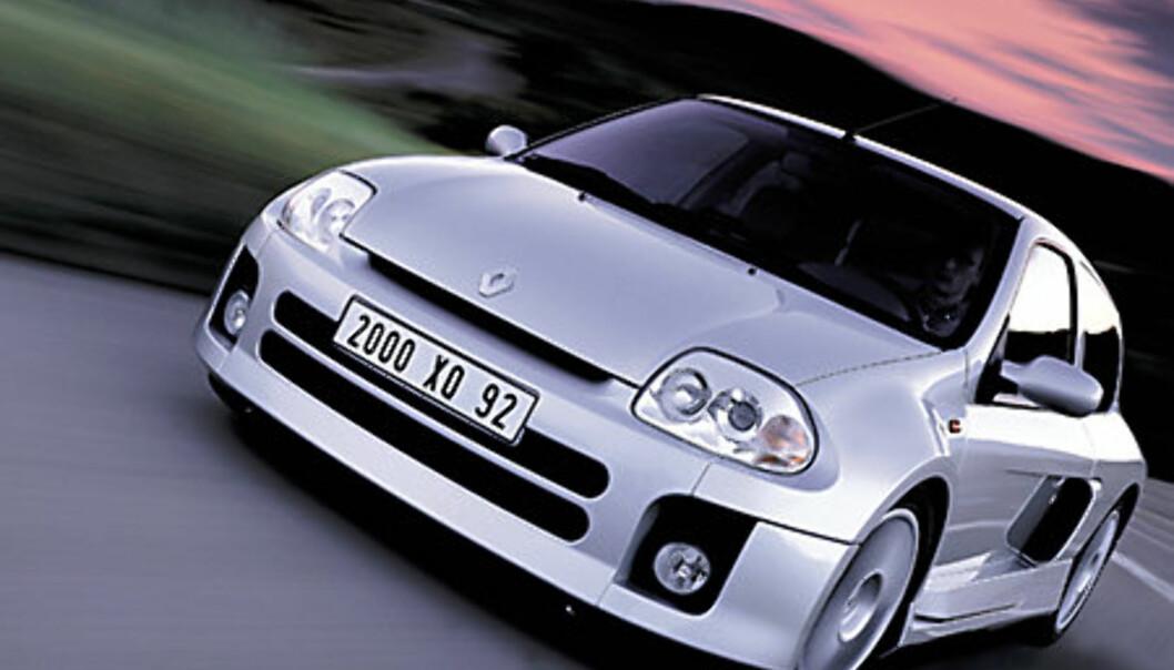 Stort bilde Clio Sport V6 forfra