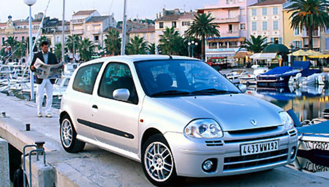 Stort bilde Clio 2.0 Sport forfra