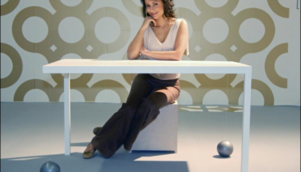 Hvilket bord! Suppenkasper av Nina Farsen og Isabel Schöllhamm har detaljene på plass! Foto: IMM Cologne: Hitguide 2008