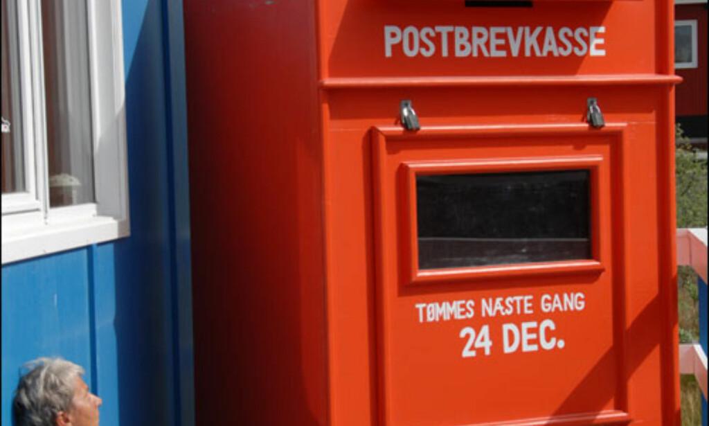 Julenissen bor altså på Grønland, og her er postboksen hans i Kangerlussuaq. Foto: Lars Brubæk