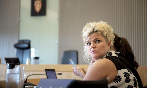 image: Frisør saksøker Løgnaslaget for å ha kalt henne «nazifrisør»
