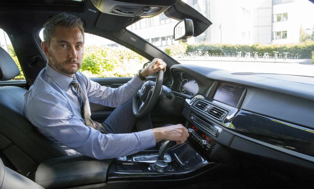 <strong>VERDI:</strong> Marius Tegneby i BMW Norge er spent på å se hvor mye nordmenn er villige til å investere i å klargjøre bilen sin for DAB-omlegginga. Foto: Arne V. Hoem / Dagbladet