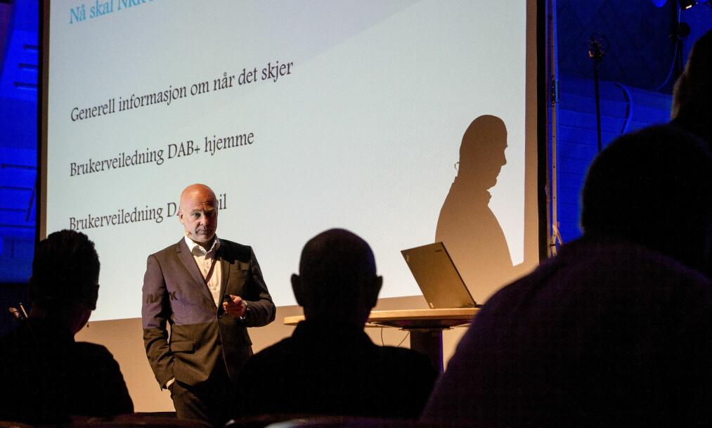 TYDELIG: NRKs kringkastingsjef Thor Gjermund Eriksen snakket mye om viktigheten av den nært forestående DAB-omlegginga, da han hadde taletid under kontaktmøtet om radiodigitalisering i NRKs Store Studio i går. Foto: Arne V. Hoem / Dagbladet