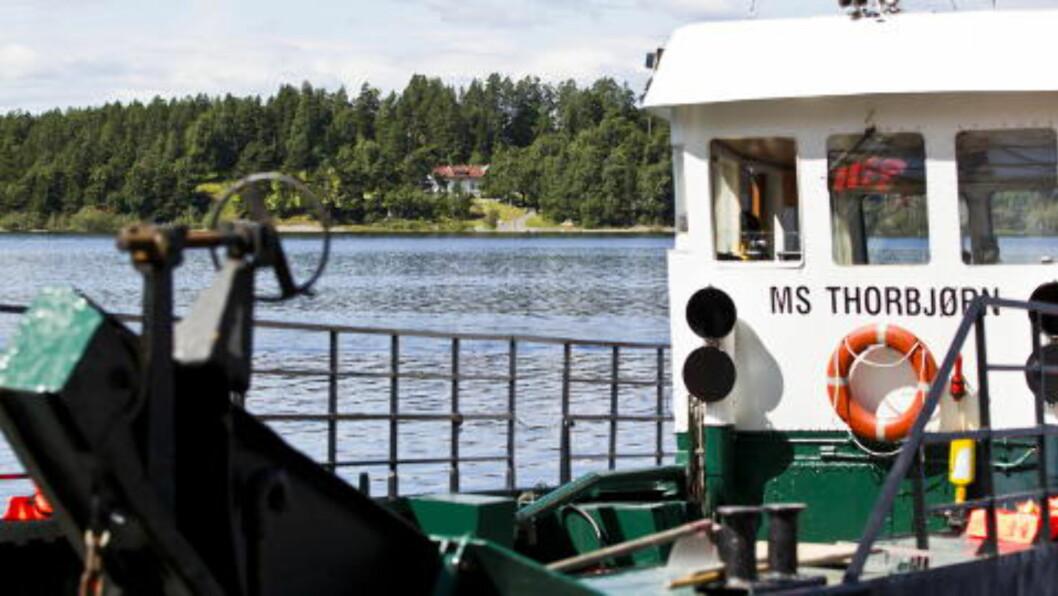 FLYKTET: Eskil Pedersen og de andre om bord M/S «Thorbjørn»  ble flere ganger oppfordret til å komme seg i sikkerhet av Politiet. Foto: Vegard Grøtt / NTB scanpix