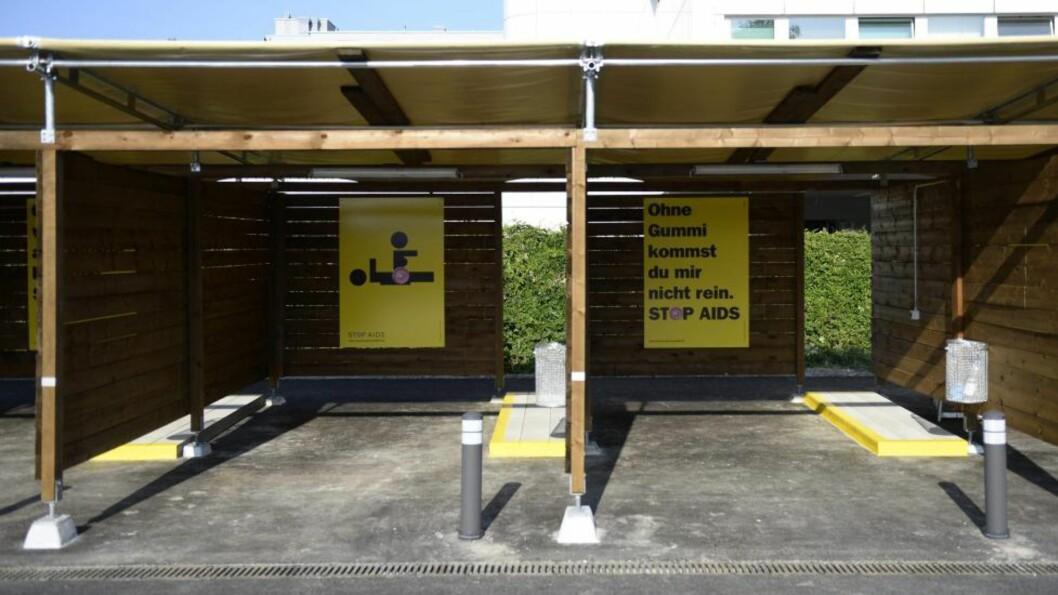 <strong>IKKE LYDDEMPET:</strong> De er nye og fine, men sex-garasjene som straks åpner i den sveitsiske byen Zürich tilbyr lite privatliv. Foto: STEFFEN SCHMIDT / EPA