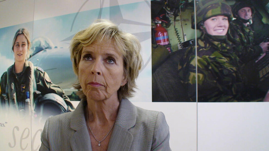 <strong>MØTER PRESSEN:</strong> Forsvarsminister Anne-Grete Strøm-Erichsen. Foto: Trygve Mellvang-Berg / SCANPIX