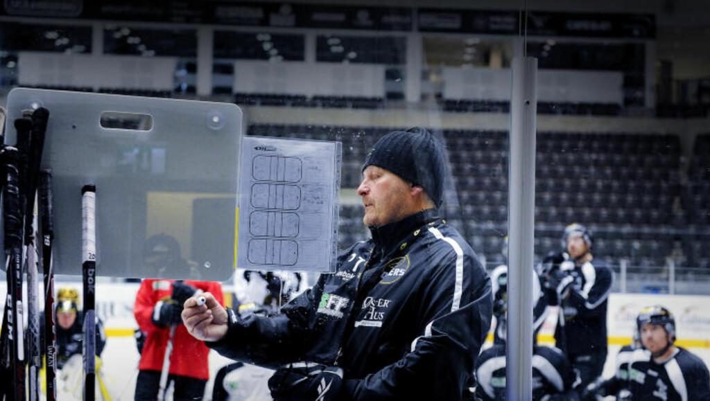 SJEFEN: Under Petter Thoresen har Stavanger Oilers blitt en sammensveiset gjeng som er vant til å vinne. - Kjemien i gruppa er kanskje vår største styrke. Ingen får rokke ved den, sier Thoresen.