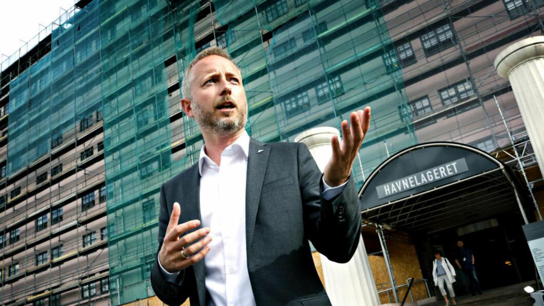 <strong>- TILGANG NÅ:</strong> SV-nestleder Bård Vegar Solhjell mener E-tjenesten må sørge for å gi folk innsyn i egne mapper hos E-tjenesten. SV vil også vurdere å styrke EOS-utvalgets fullmakter. Her utenfor Havnelageret, der både Dagbladet og NTB holder til. Foto: Jacques Hvistendahl / Dagbladet.