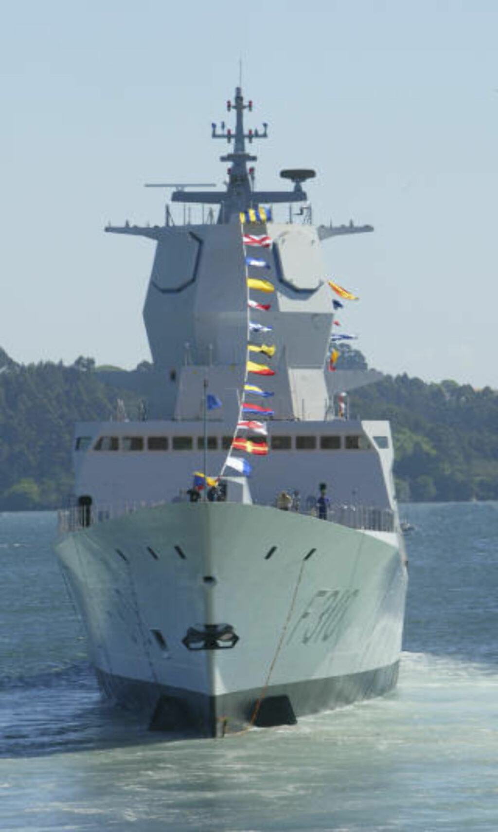 SKIPET: Fregatten Fridtjof Nansen. Foto:  Morten Holm / SCANPIX .