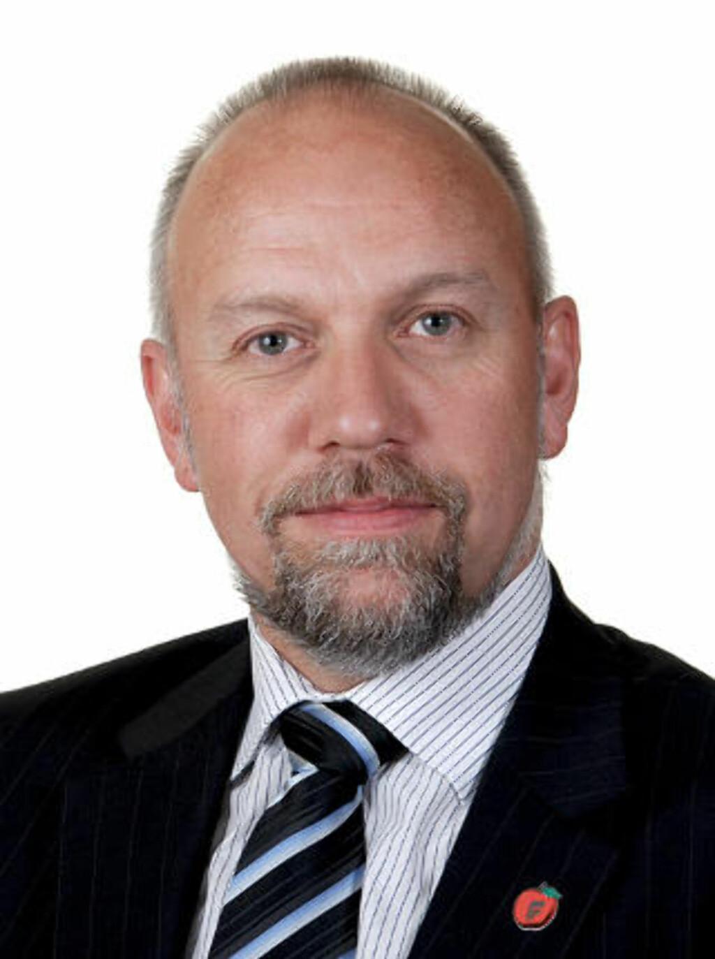 KJØPER IKKE RAPPORTEN: Frp's innvandringspolitiske talsmann Morten Ørsal Johansen har ingen tro på at innvandringen kommer til å flate ut på sikt. Foto: FRP