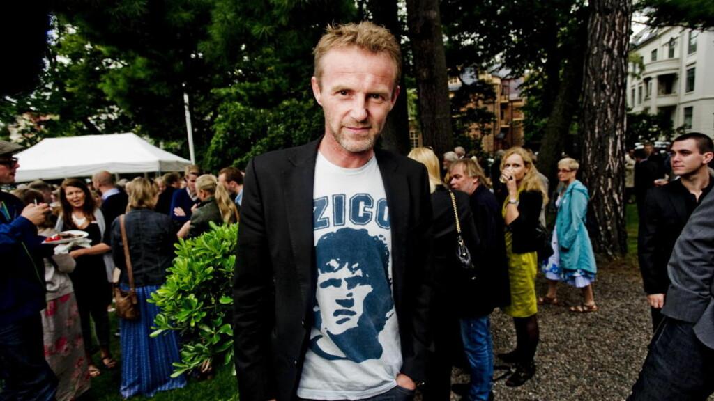 HYLLES: I natt slippes den tiende romanen i serien om Harry Hole. Ulike krimeksperter synser om Nesbøs suksess. Foto: Thomas Rasmus Skaug  / Dagbladet