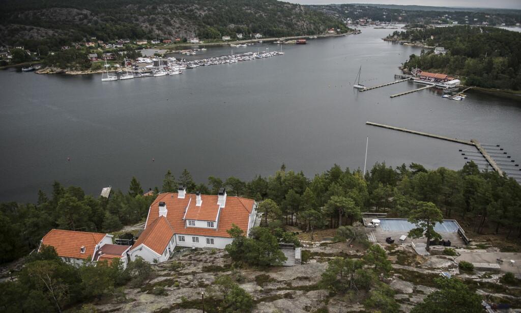 IDYLLISK: Prinsesse-eiendommen Bloksberg ligger idyllisk plassert på øya Hankø i Fredrikstad kommune. Foto: Lars Eivind Bones / Dagbladet