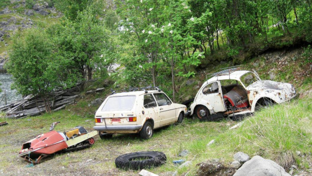 <strong>VRAK OVER HELE ØYA:</strong> På øya Spildra, som ligger i Kvænangen kommune i Troms, finnes 50 bilvrak og ti fastboende. Se alle bildene i bildeserien øverst i denne saken.