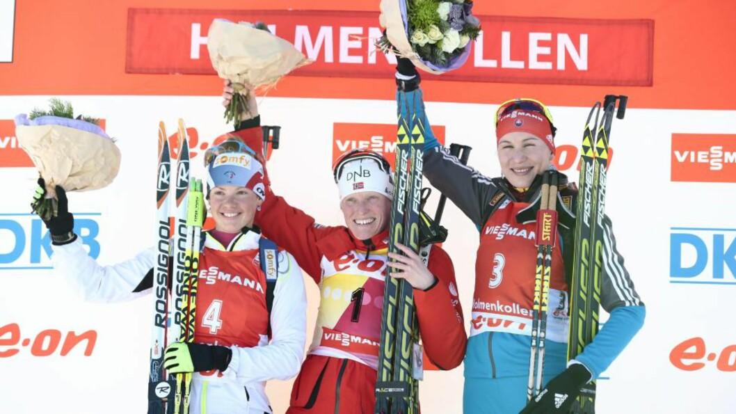 <strong>USLÅELIG:</strong> Tora Berger vant lørdag sin 10. verdenscupseier for sesongen, og har nå vært på pallen i 15 av 20 løp i 2012/13. Her med Marie Dorin Habert (t.v.) og Anastasiya Kuzmina (t.h.), som ble nummer to og tre. Foto: STIAN LYSBERG SOLUM / NTB scanpix