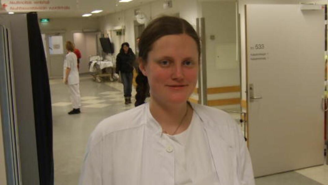 <strong>MEDISINSTUDENT:</strong> Birgitte Iversen er førsteforfatter av den ferske forskningsartikkelen som viser at kvinner får hjerteinfarkt av passiv røyking. Foto: Privat