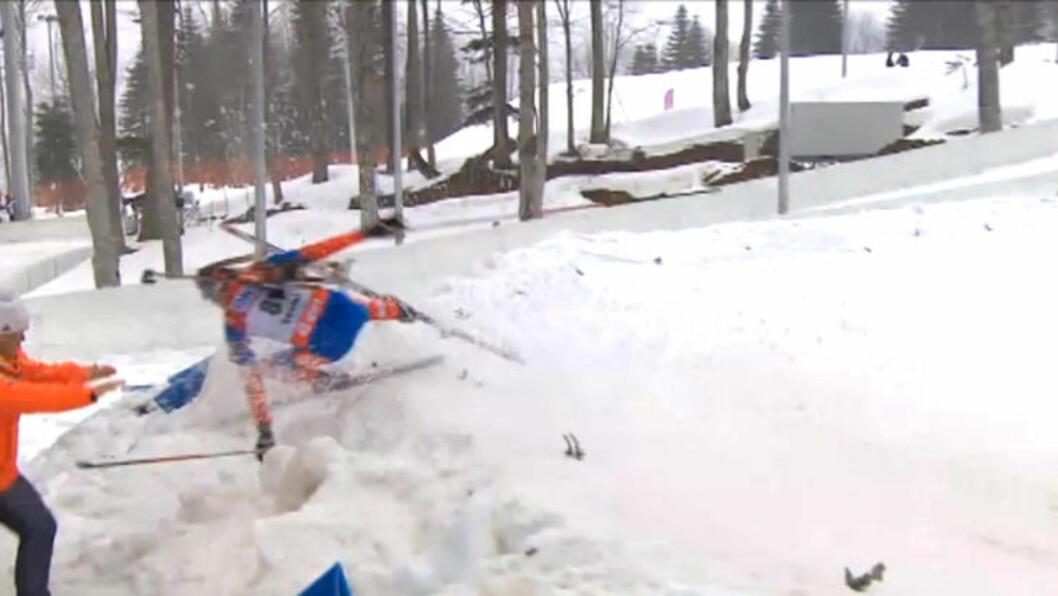 <strong>VOLDSOMT FALL:</strong> Maxim Tsvetkov svevde flere meter gjennom lufta. Til alt hell ble han bare forslått. Skjermdump: NRK