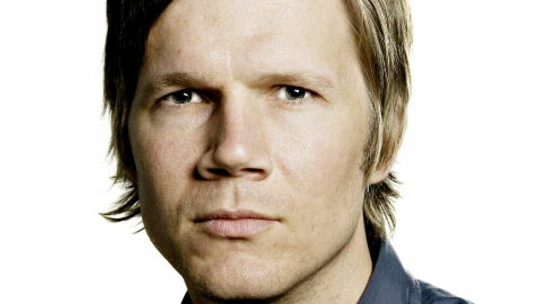 <strong>VENTET EN TIME:</strong>  NRK-programleder Vegard Larsen måtte vente en time ekstra på Gardermoen i dag. FOTO: LARS EIVIND BONES / DAGBLADET