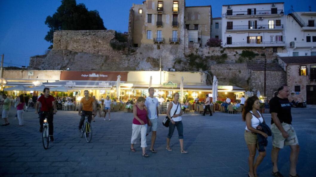 <strong>JA, VI ELSKER:</strong> Nå vil vi tilbake til Hellas, og aller helst til Kreta. Chania er den mest populære feriebyen for norske turister. Rhodos er også høyt oppe på lista over hvor vi ønsker å tilbringe ferien. Foto: JOHN T. PEDERSEN