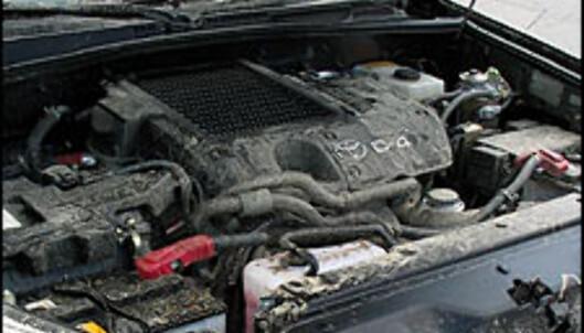 Under pansret på Landcruiseren så det ut som en svineti etter terrengkjøringen. Begge bilene trenger bedre beskyttelse mot søle i motorrommet.