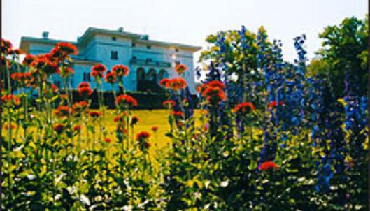 Kong Carl Gustav XVIs slott på Solliden i Öland i Sverige byr på servering.<br /> <br /> <I>Foto: www.sollidensslott.se</I><br />  Foto: www.sollidensslott.se