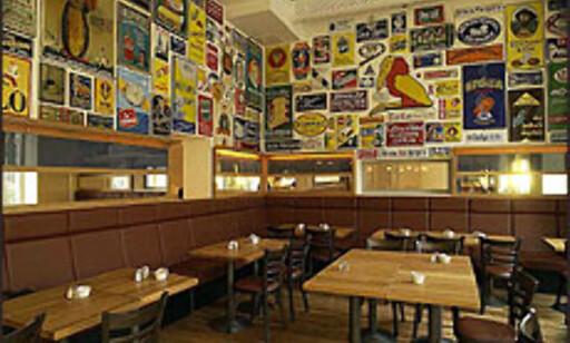 ABBA-legenden Benny Andersen har åpnet et hotell med kino, bakeri, restauranter og barer i Stockholm. Her fra kafeen.  Foto: Tommy Bäcklin Foto: Tommy Bäcklin