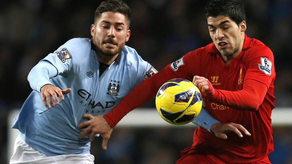 Målscorer: Liverpools Luis Suarez, til høyre, har scoret 22 mål for Liverpool så langt denne sesongen. Det har ikke vært nok til å gi laget en plassering i toppen, og Liverpool er konstant overvurdert av både oddstippere og spilleselskaper. Foto: REUTERS/Phil Noble